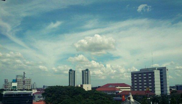 View Salemba dari Lantai 6 FKG UI, Awannya baguss...
