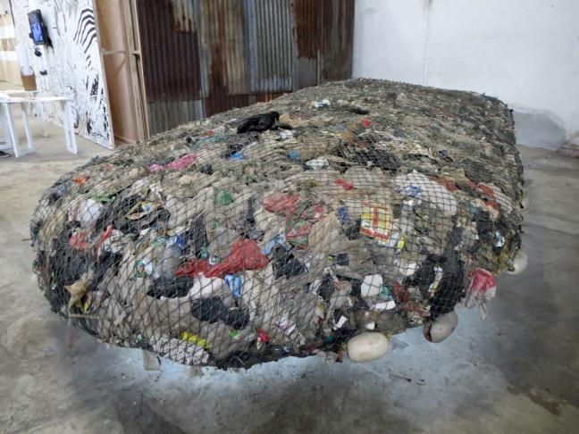 The Most Sustainable Island in Archipelago - Tita Salina. Tita Salina berkolaborasi dengan nelayan setempat mengumpulkan sampah-sampah di kawasan Pantai Indah Kapuk dan Muara Angke lalu membentuknya menjadi sebuah pulau yang dinamakan 'Pulau 1001'. Pulau ini ditarik oleh kapal nelayan dan ditempatkan di antara pulau-pulau buatan di Kepulauan Seribu.