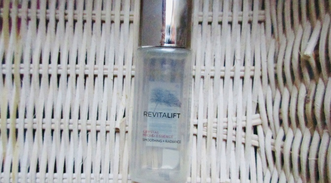 Review L'oreal Revitalift Crystal Micro-Essence – Seefektif Essence Yang High-End?